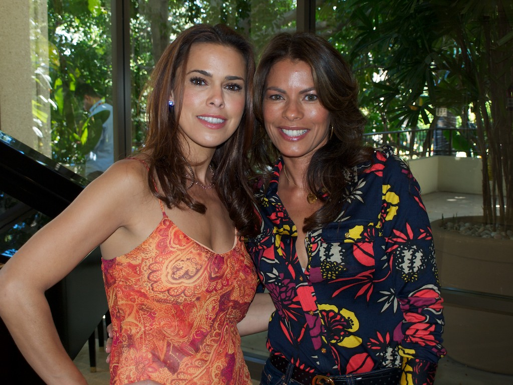 People |Rosa Blasi and Lisa Vidal