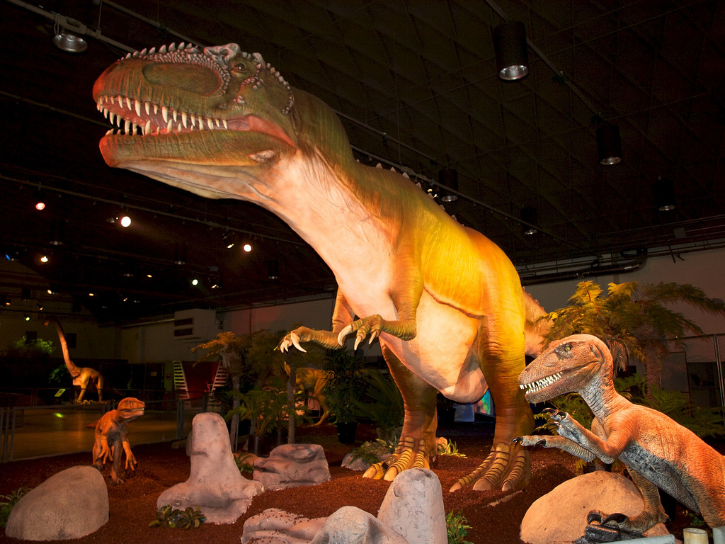 The largest display of dinosaurs on the West Coast of USA. dinosaurs and super fun activities. South Bay Galleria, Redondo Beach, California. BOOK A PARTY.