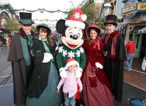 Holiday Tour 2014 | Disneyland Resorts