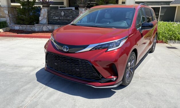 Driving with Style | 2021 Toyota Sienna