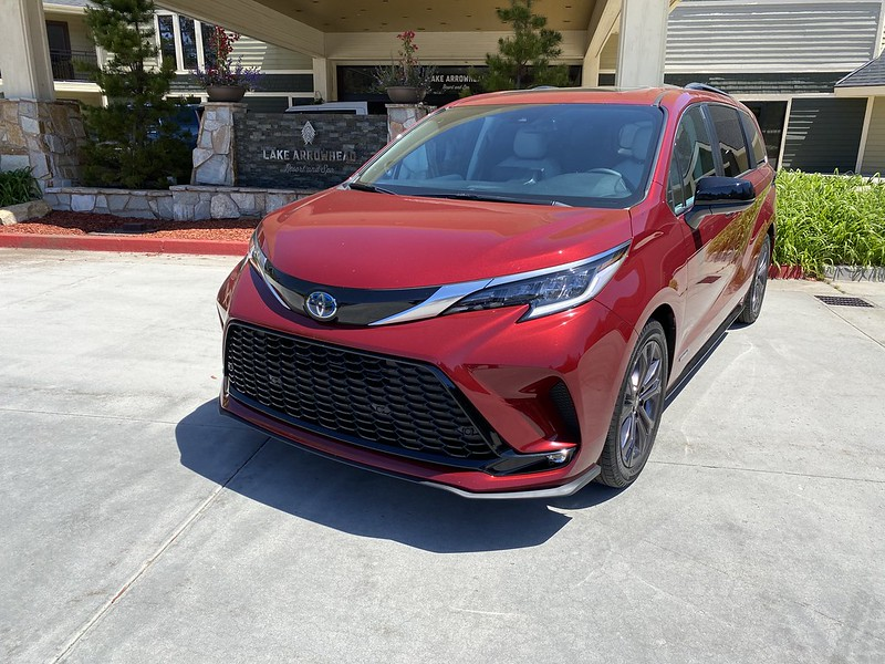 Driving with Style   2021 Toyota Sienna